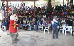 Alvin e i suoi amici in favore dei bambini di Haiti
