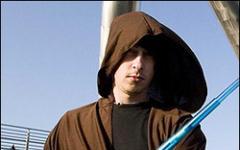 Cacciato da un negozio il capo della Chiesa Internazionale Jedi: non voleva togliere il cappuccio