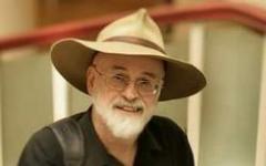Terry Pratchett: andare via un poco per volta