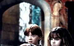 Emma Watson e Rupert Grint diventano pittori per Kith & Kids