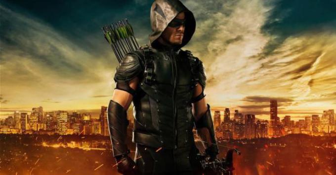 Il nuovo costume, realizzato da Maya Mani, che Oliver Queen (Stephen Amell) indosserà nella quarta stagione di Arrow