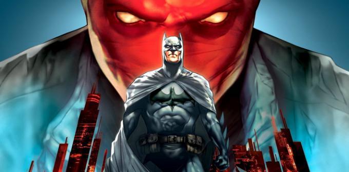 La copertina del film d'animazione direct-to-video Batman: Under the Red Hood (2010)