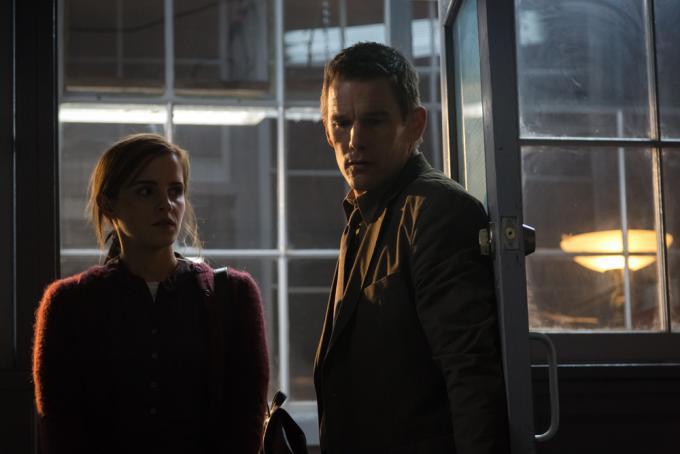 Emma Watson e Ethan Hawke in Regression