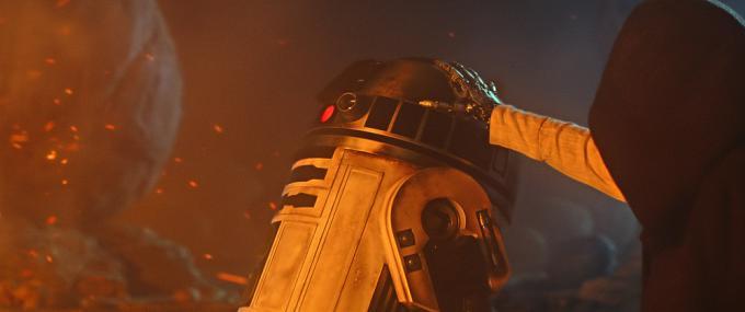 È la mano di Luke Skywalker in Star Wars: il risveglio della Forza?