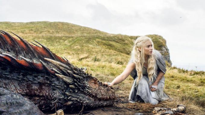 Emilia Clarke nella quinta stagione di Il trono di spade