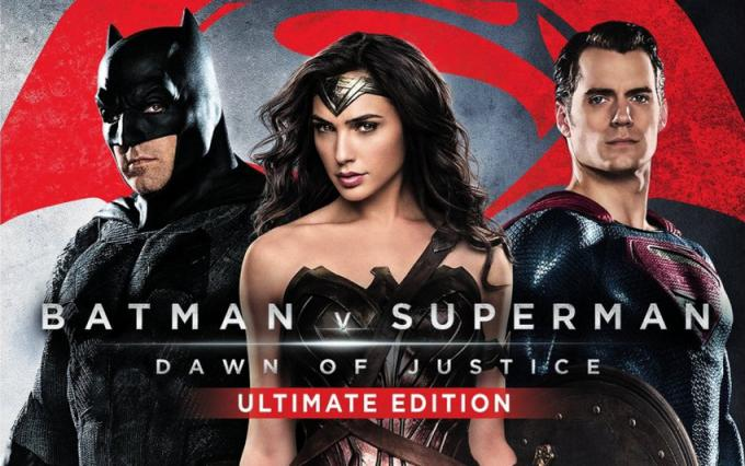 La copertina di Batman v Superman: Dawn of Justice - Ultimate Edition in Blu-ray