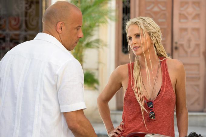 Vin Diesel e Charlize Theron in Fast & Furious 8