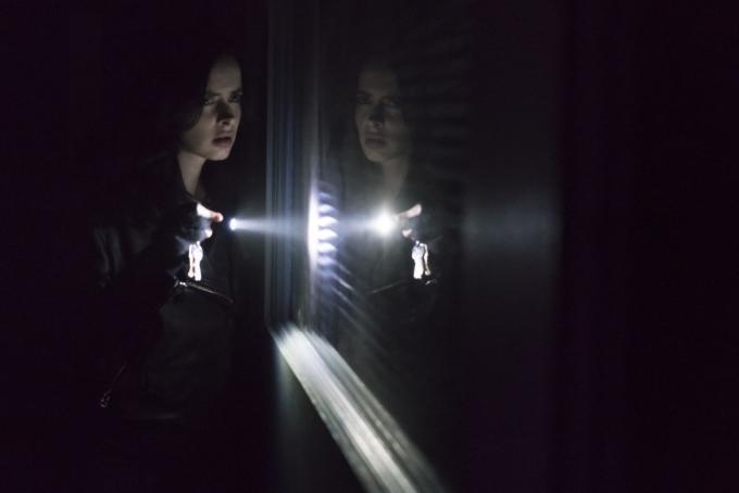 Krysten Ritter nella seconda stagione di Jessica Jones