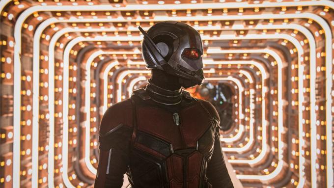 La nuova tuta di Ant-Man