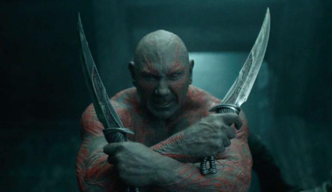 Dave Bautista è Drax il distruttore, in una scena di Guardiani della Galassia.