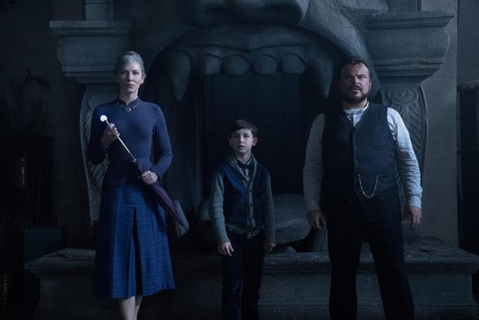 Cate Blanchett, Owen Vaccaro e Jack Black in un fotogramma tratto daIl mistero della casa del tempo (2018).