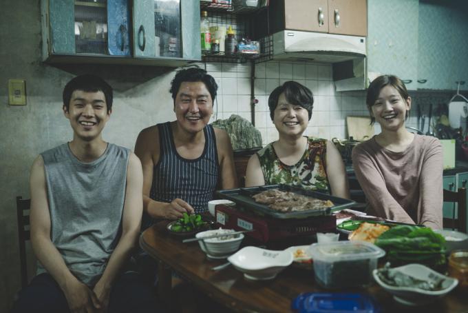 Choi Woo-shik, Song Kang-ho, Chang Hyae Jin, Park So-dam in Parasite