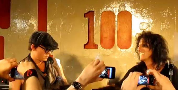 Performance live di Johnny Depp e Alice Cooper al 100 Club di Londra