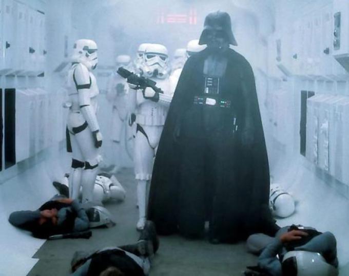 La prima apparizione di Darh Vader in Guerre Stellari, 1977.