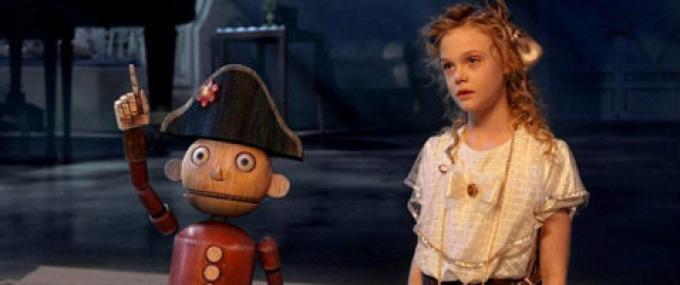 Elle Fanning e Charlie Rowe nei panni dello Schiaccianoci