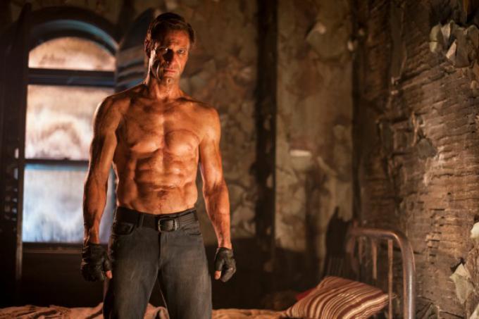 Aaron Eckhart come non l'avete mai visto per I, Frankenstein