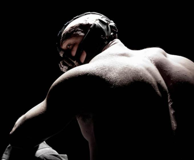 La prima foto ufficiale di Tom Hardy/Bane