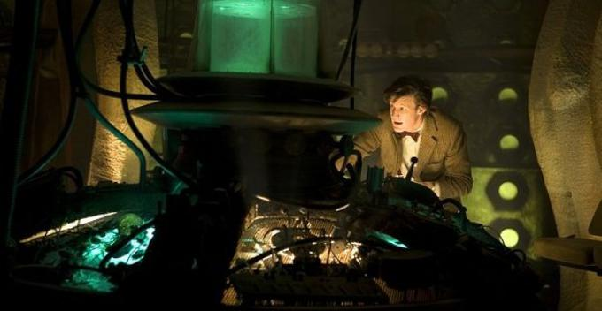 Matt Smith, undicesimo Dottore, all'interno del TARDIS nell'episodio Doctor's Wife.