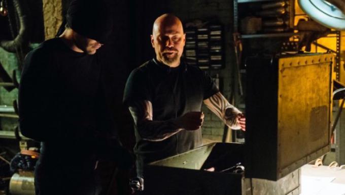 Charlie Cox e Vincent D'Onofrio in Daredevil