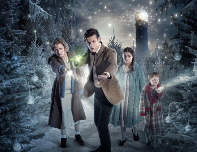 Il cast dello speciale natalizio del Dottore.
