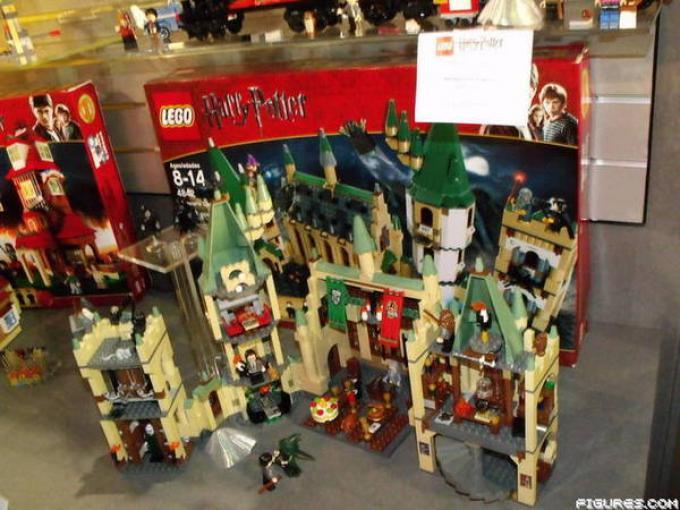 Il nuovo Castello di Hogwarts in versione LEGO