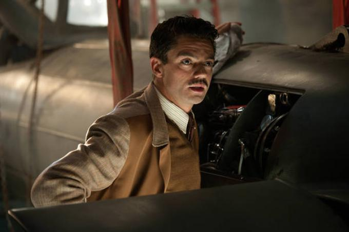 Dominic Cooper è Howard Stark