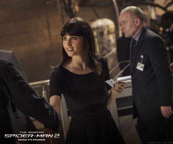 Felicity Jones in una scena tagliata di The Amazing Spider-Man 2