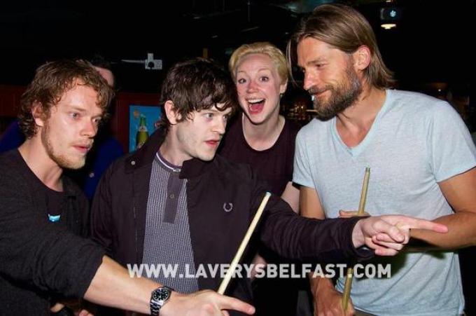 Iwan Reon familiarizza con i colleghi del cast di Game of Thrones.