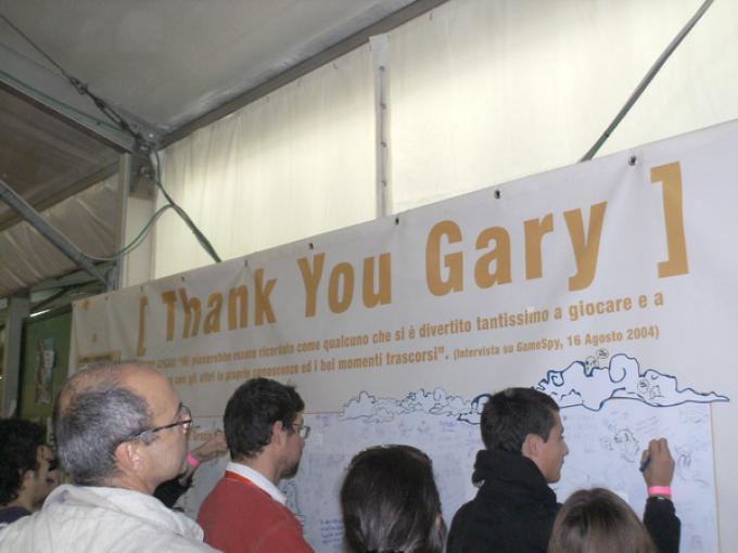 Il muro dove gli appassionati potevano scrivere una dedica a Gary Gygax