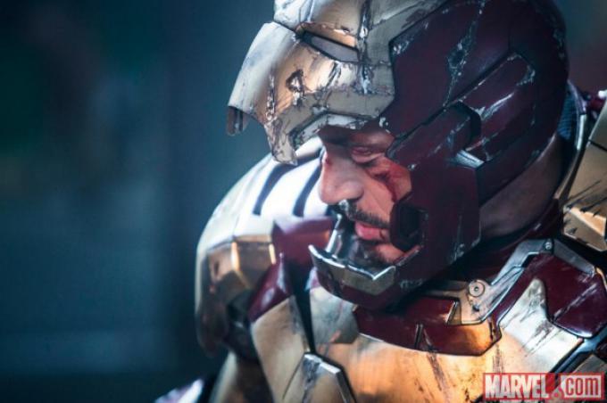 Robert Downey J.R. nel ruolo di Tony Stark/Iron Man