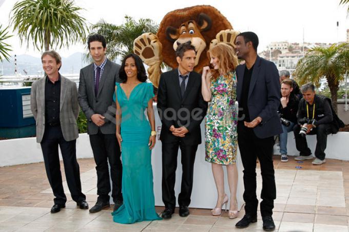 Il cast di Madagascar a Cannes con una guest star d'eccezione: il leone Alex