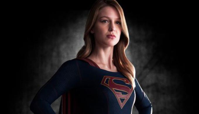 Melissa Benoist nel ruolo di Supergirl