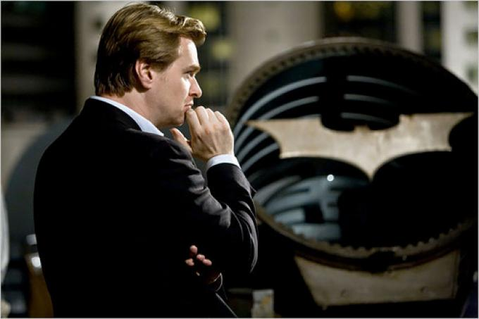 Christopher Nolan è in attesa di riaccendere il bat-segnale.