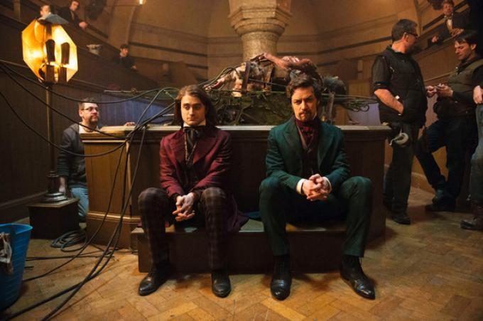 James McAvoy e Daniel Radcliffe in Victor Frankenstein