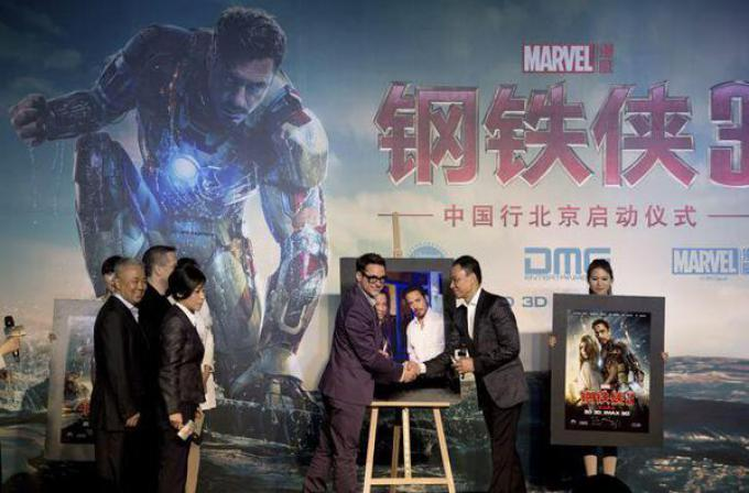 Robert Downey Jr. alla conferenza di presentazione di Iron Man 3 in Cina.