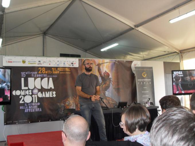 Joe Casini durante la presentazione