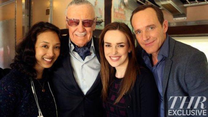 Stan Lee con il cast di Agents of S.H.I.E.L.D.
