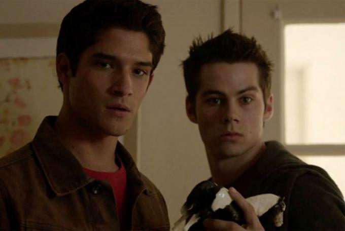 Dylan O'Brien (a destra) è Stiles Stilinski, il migliore amico del protagonista Scott McCall (a sinistra, Tyler Posey)