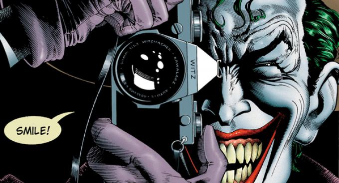 La copertina di The Killing Joke (1988) illustrata da Brian Bolland