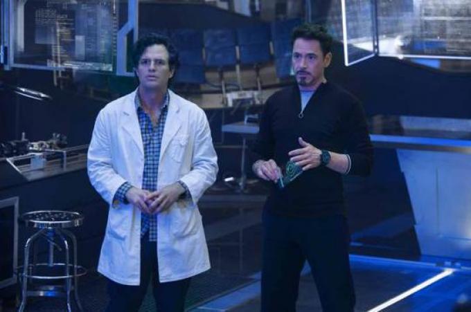 Bruce Banner (Mark Ruffalo) e Tony Stark (Robert Downey Jr.)
