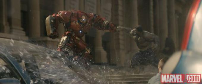 Hulk vs Iron Man's Hulkbuster