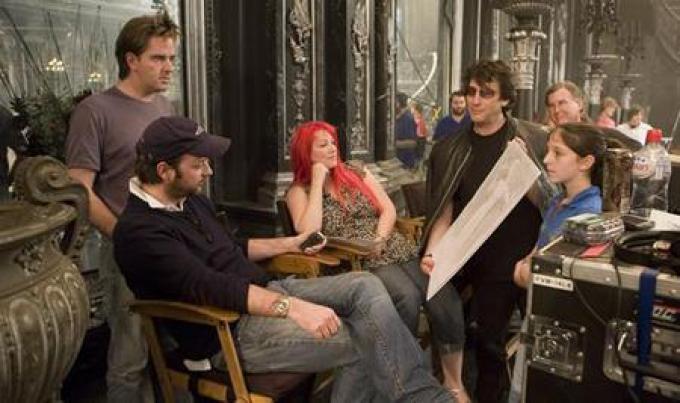 La troupe in una pausa tra le riprese