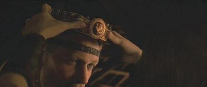 Beowulf viene incoronato