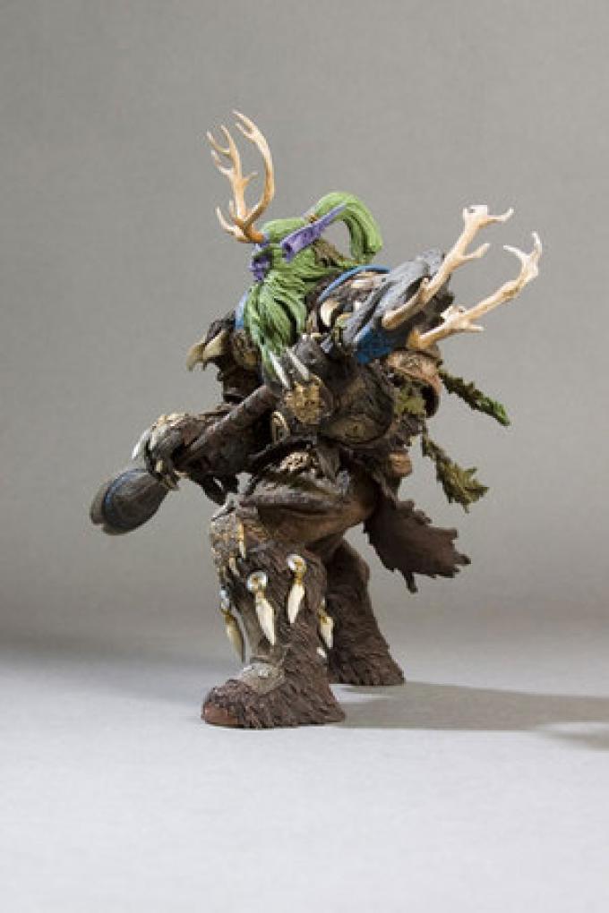 Broll Bearmantle, druido degli Elfi della Notte