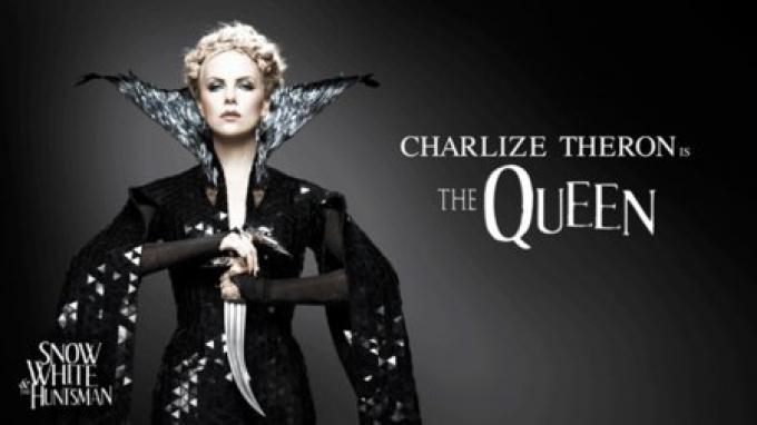Charlize Theron, la regina cattiva in Biancaneve e il cacciatore