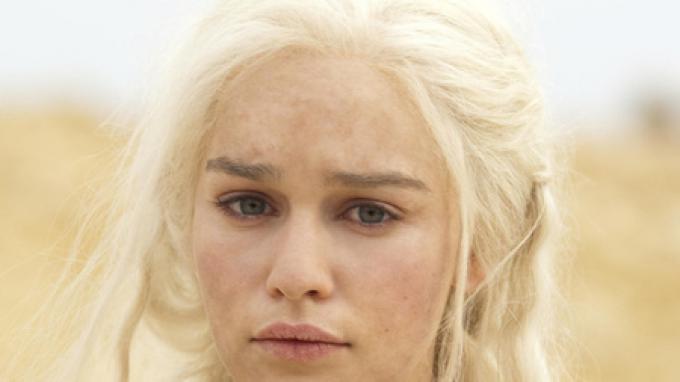 Daenerys Targaryen (Emilia Clarke), fotografata da Paul Schiraldi.