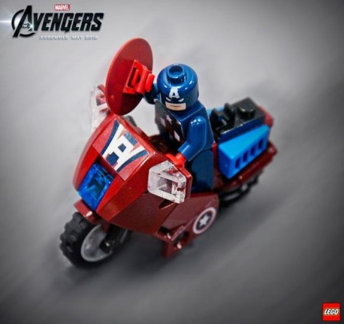 La moto di Capitan America di LEGO Avengers