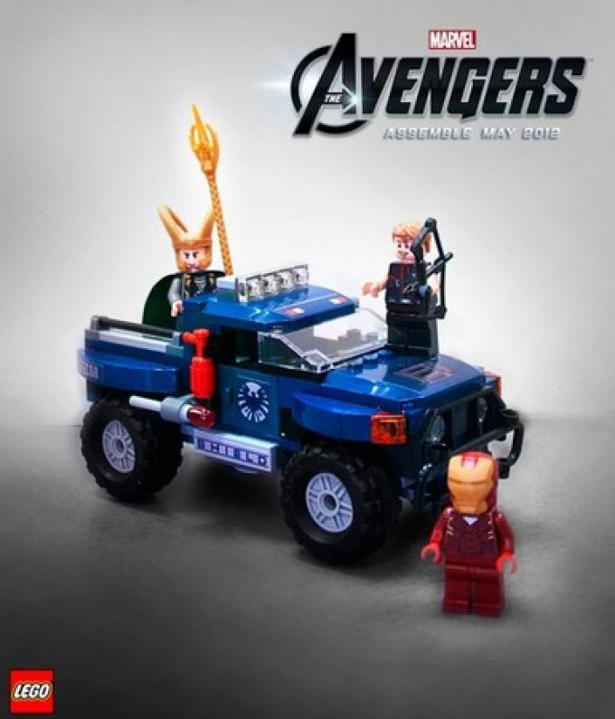 La fuga di Loki in LEGO Avengers