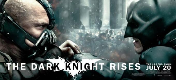 Banner con Batman (Christian Bale) e Bane (Tom Hardy)