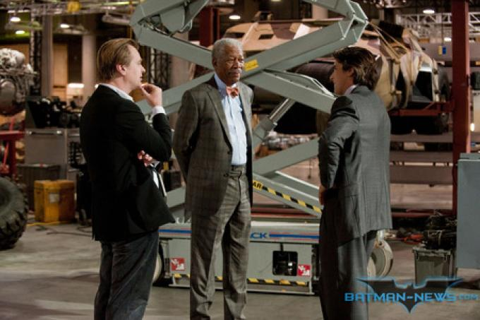 Foto ufficiale da Batman-News.com - Christopher Nolan, Morgan Freeman e Christian Bale (da sinistra a destra)